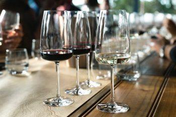 точките във виното